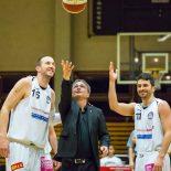 27.11.2016 Basketball 2.Bundesliga Grunddurchgang 8.Runde Mattersburg Rocks vs. BBU Salzburg Im Bild: Corey HALLETT (16), Stefan ULREICH (11)   Copyright: Pictorial / M.Proell  office@pictorial.at www.pictorial.at