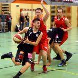 25.02.2017 Basketball 2.Bundesliga 2016/17, Grunddurchgang 18.Runde Mistelbach Mustangs vs. Mattersburg Rocks   Im Bild (v.l.n.r.): Bence Czukor (7), Stefan Obermann (17)   Copyright Pictorial / M.Filippovits  office@pictorial.at www.pictorial.at     +43 660 1412984